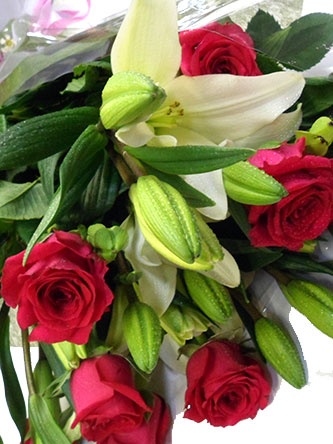 Red Roses with Lily Flower Bouquet