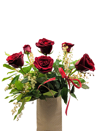 rose are red valentine special flower-arrangement
